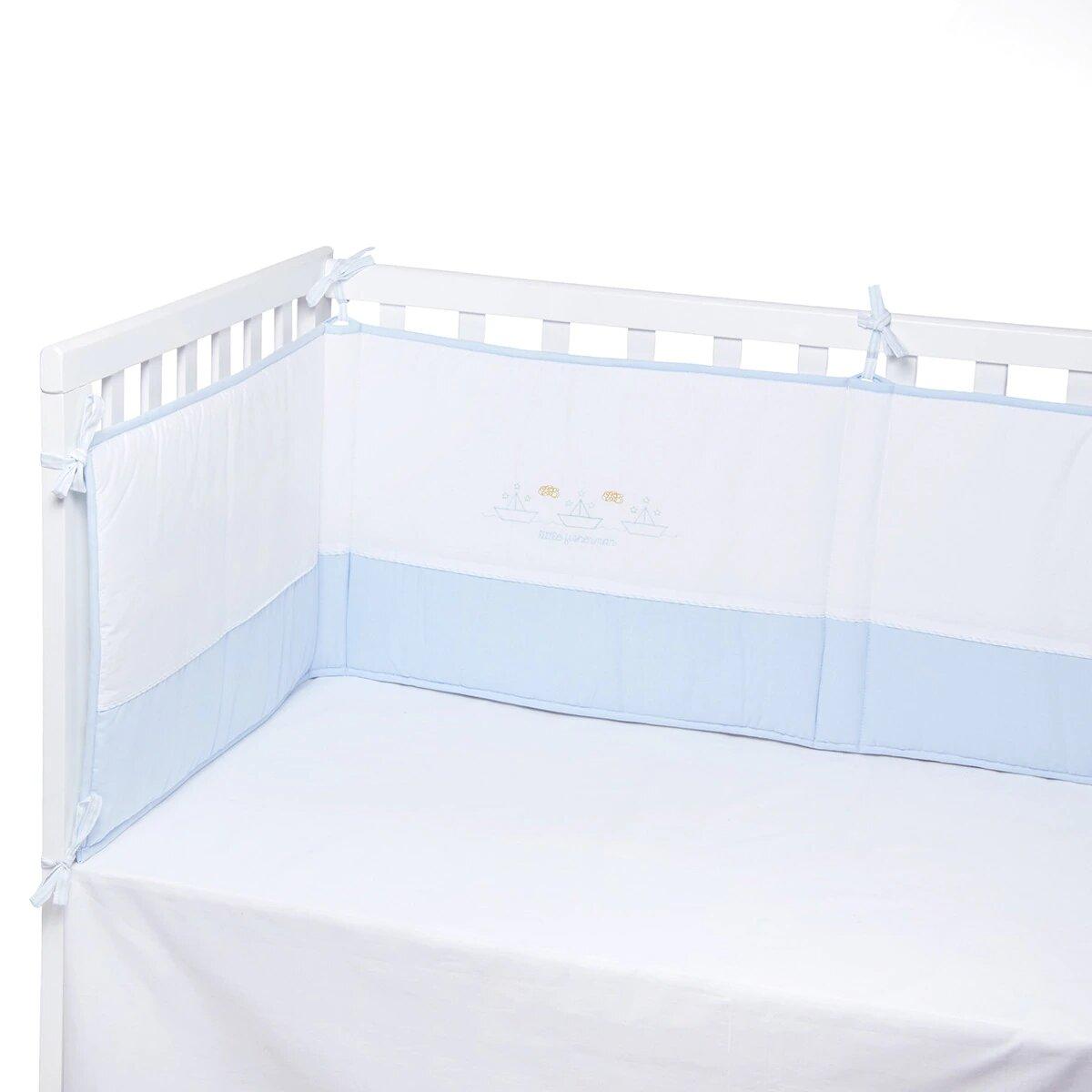 Protector para Cuna (60 x 120 cm.) Cotton Juice Baby Home Bordado Fantasía Barquitos azul